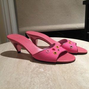CUTE Marc Jacobs pink kitten heels